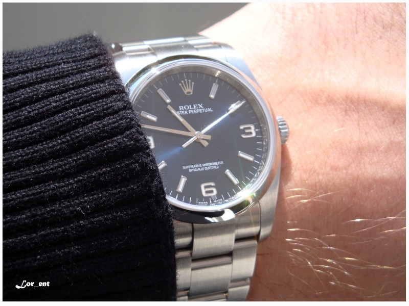 Un cadeau parfait :  Rolex Oyster Perpetual 116000 Blue Dial Dsc04013