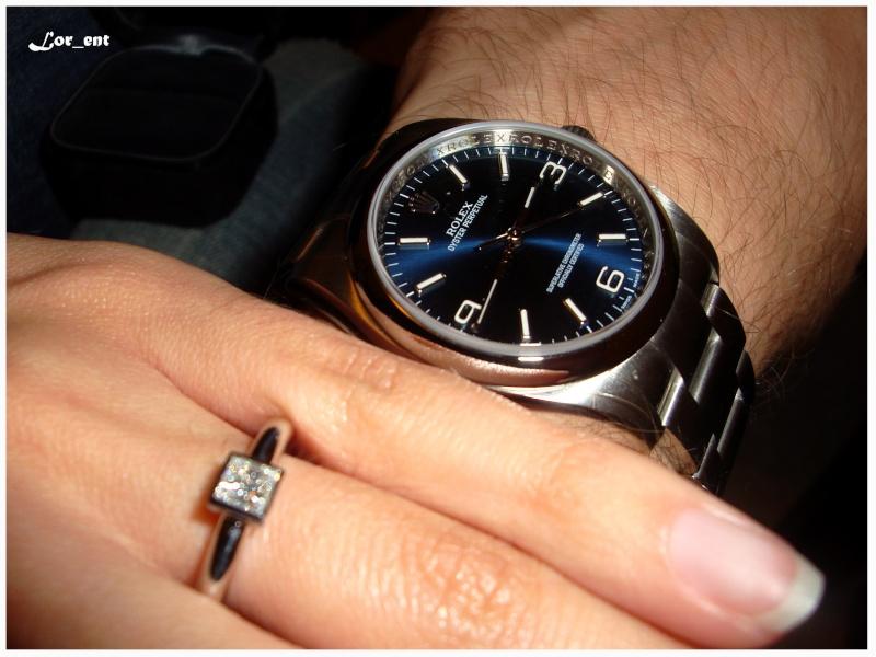 Un cadeau parfait :  Rolex Oyster Perpetual 116000 Blue Dial Dsc04014