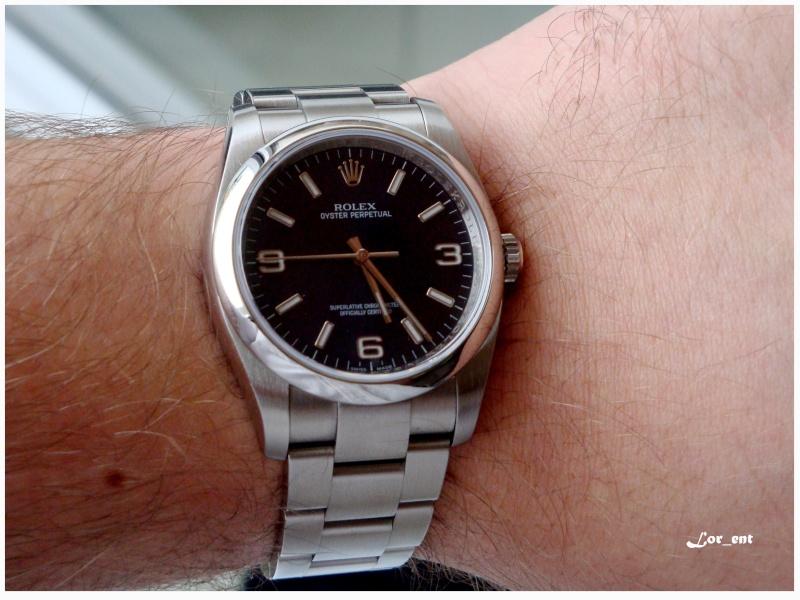 Un cadeau parfait :  Rolex Oyster Perpetual 116000 Blue Dial Dsc04211