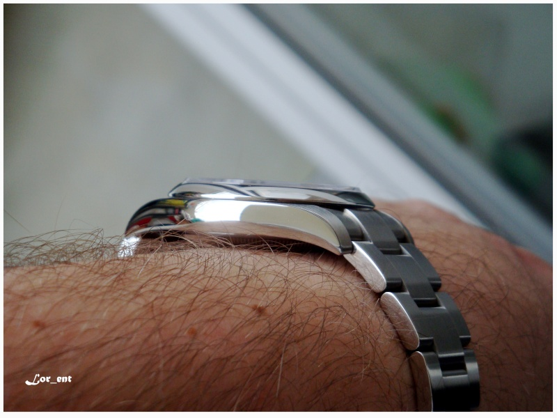 Un cadeau parfait :  Rolex Oyster Perpetual 116000 Blue Dial Dsc04212