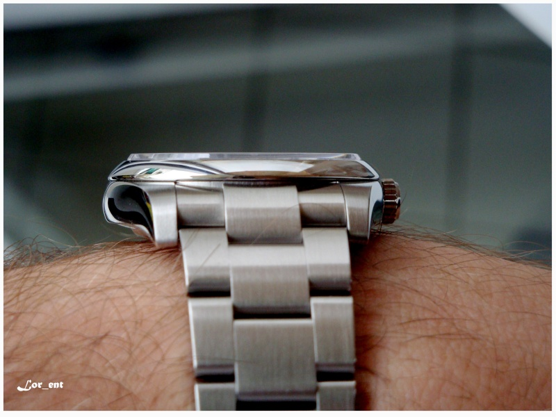 Un cadeau parfait :  Rolex Oyster Perpetual 116000 Blue Dial Dsc04213