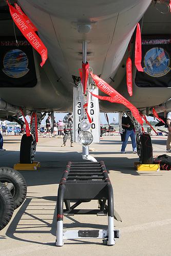 تشريح المقاتلة F/A18 Hornet Remove10