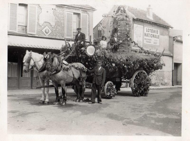 Le 1er char,la 1ere fete des Roses en 1945 Img02410