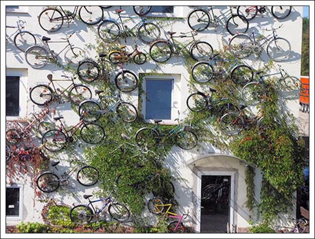 Un muro di biciclette Muro-d13
