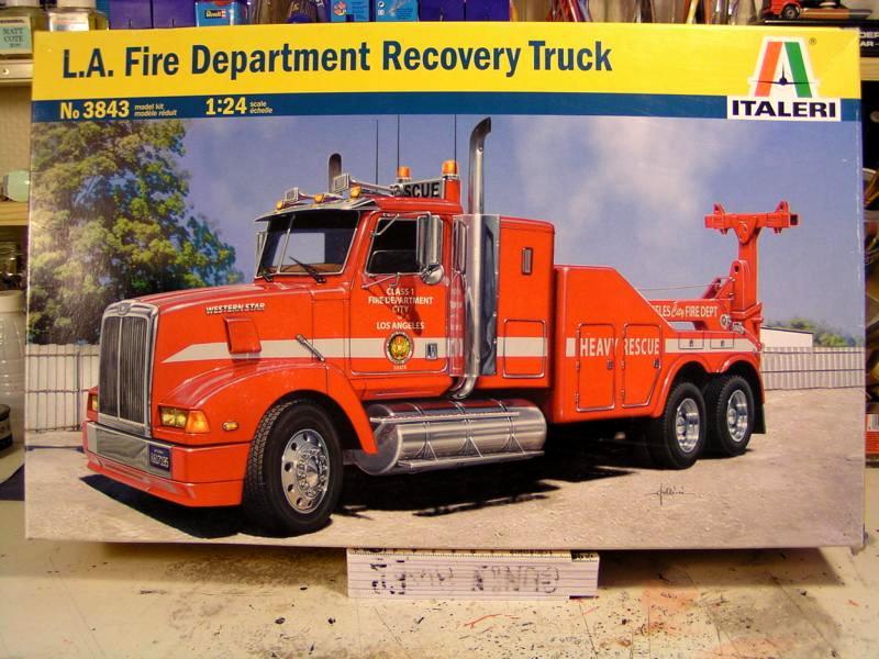 L.A Fire Department Recovery Truck 1:24 Italeri 00111
