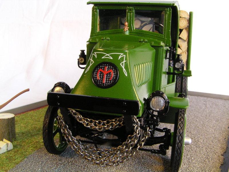 Mack Bulldog 1926  Log Hauler 1:24 00212