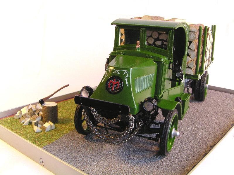 Mack Bulldog 1926  Log Hauler 1:24 00312