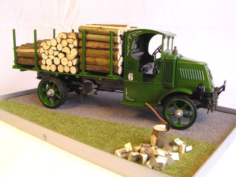 Mack Bulldog 1926  Log Hauler 1:24 00712