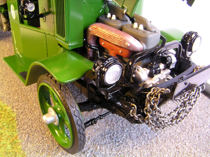 Mack Bulldog 1926  Log Hauler 1:24 01013