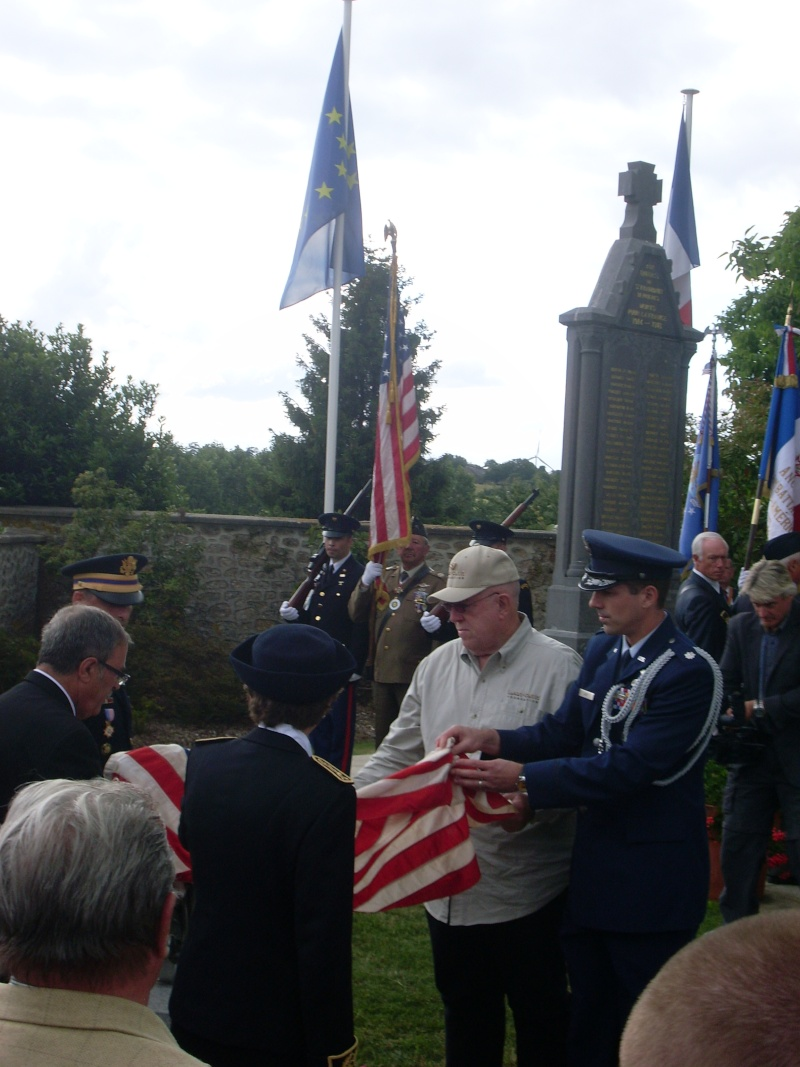 Inauguration et Cérémonie en Hommage au 2nd Lt. Montgomery A. Coddington 474th Fighter Group, KIA le 7 Juin 1944. Sl371010