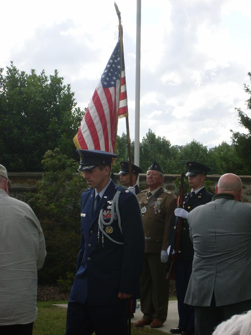 Inauguration et Cérémonie en Hommage au 2nd Lt. Montgomery A. Coddington 474th Fighter Group, KIA le 7 Juin 1944. Sl371011