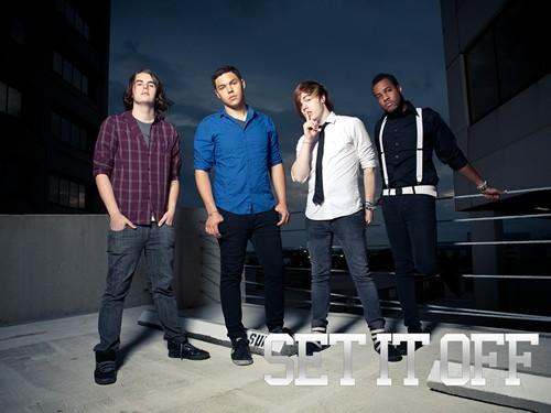 Set it off L_975410