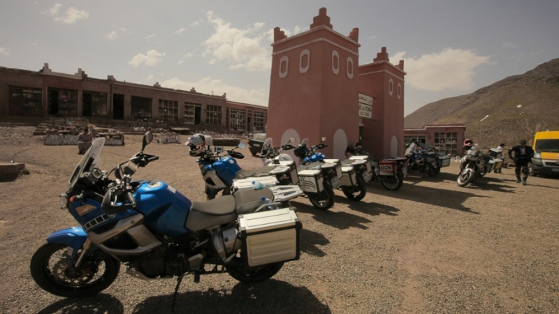 SHAD produces Original Equipment Luggage for the YAMAHA XT 1200Z Super Tenere. Tenere11