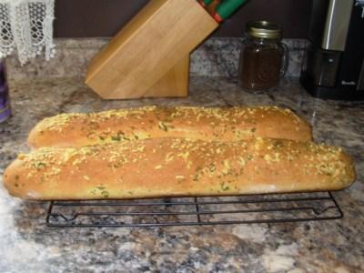 Pain baguette à l'ail et permesan Dscn5210