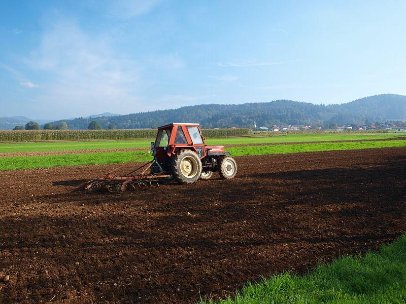 Photos / Vidéos de machinismes agricole  800px-13