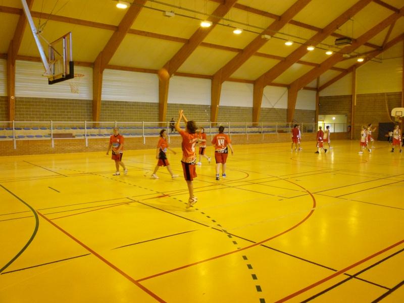 Match Séniors du 03/10/2010 contre Carnières avec inauguration des nouveaux maillots P1010828