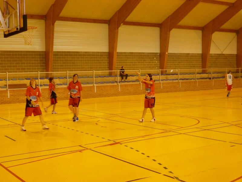 Match Séniors du 03/10/2010 contre Carnières avec inauguration des nouveaux maillots P1010829