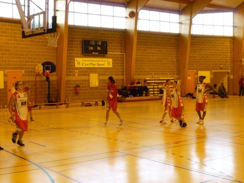 Match Séniors du 03/10/2010 contre Carnières avec inauguration des nouveaux maillots P1010833