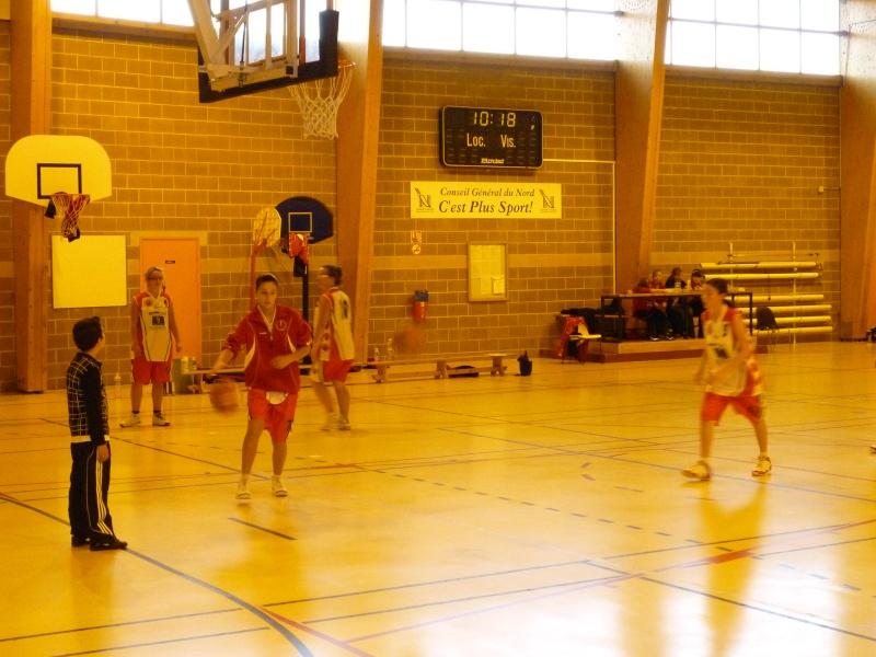Match Séniors du 03/10/2010 contre Carnières avec inauguration des nouveaux maillots P1010835