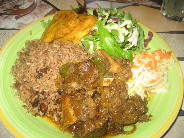GRILLOT DE DINDE WITH SWEET PLANTAIN Cabrit10