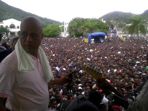 Martelly veut constituer une nouvelle force armée Michel10