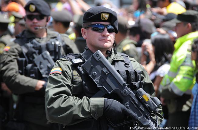 Armée Colombienne / Military Forces of Colombia / Fuerzas Militares de Colombia - Page 2 Copesp10