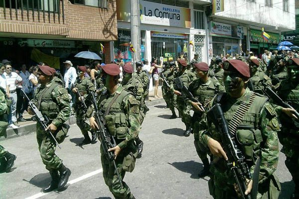 Armée Colombienne / Military Forces of Colombia / Fuerzas Militares de Colombia - Page 2 Phocat10
