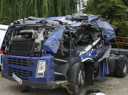 Un hommage au chauffeur de chez GUILLEMET de Argenton sur Creuse (36) 11236110