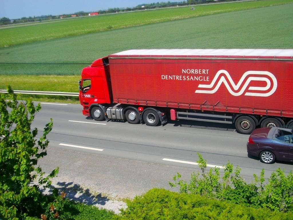 XPO Logistics (anc Dentressangle) (Saint Vallier, 26) - Page 3 Imgp7910