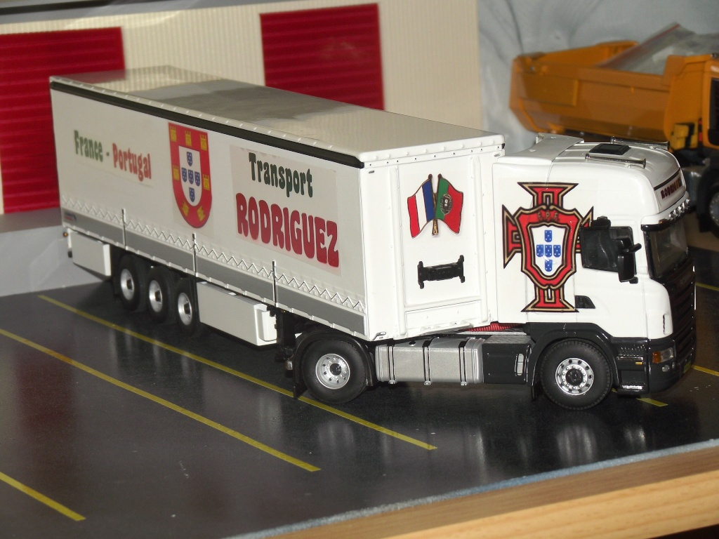 Miniatures camions 1/50 et 1/43 de David 36. Scania18