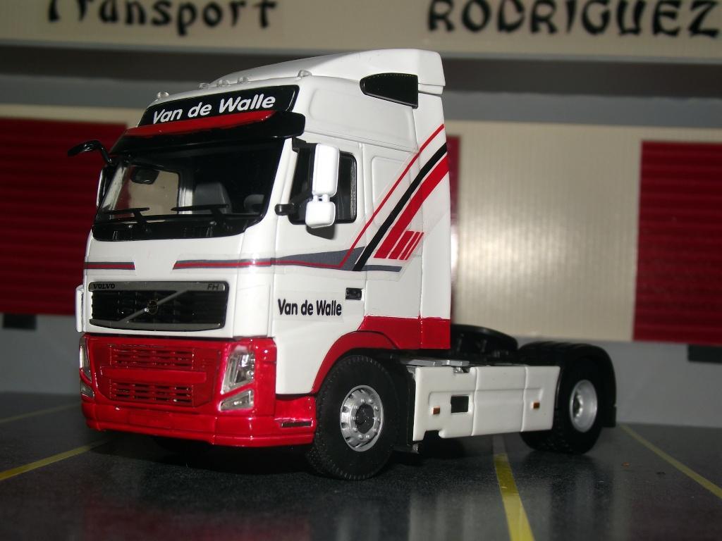 Miniatures camions 1/50 et 1/43 de David 36. Van_de12