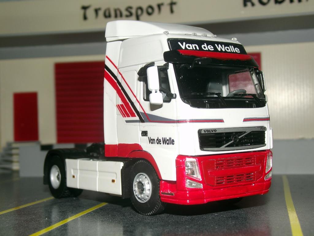 Miniatures camions 1/50 et 1/43 de David 36. Van_de13
