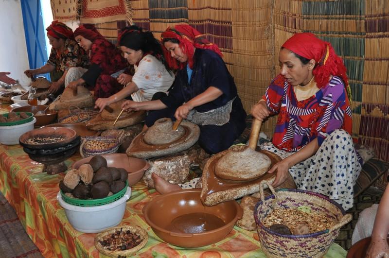 Fabrication artisanale de l'huile d'Argan. Dsc_0119