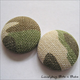 Lovelybug Bits n Bobs FABRIC BUTTONS! Camo10