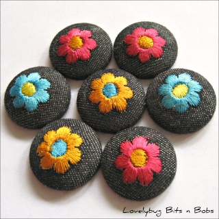 Lovelybug Bits n Bobs FABRIC BUTTONS! Embroi10