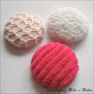 Lovelybug Bits n Bobs FABRIC BUTTONS! Textur11