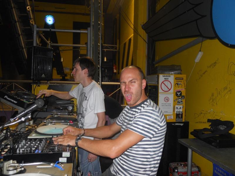 Vos photos avec des DJ's - Page 7 Dscn0313
