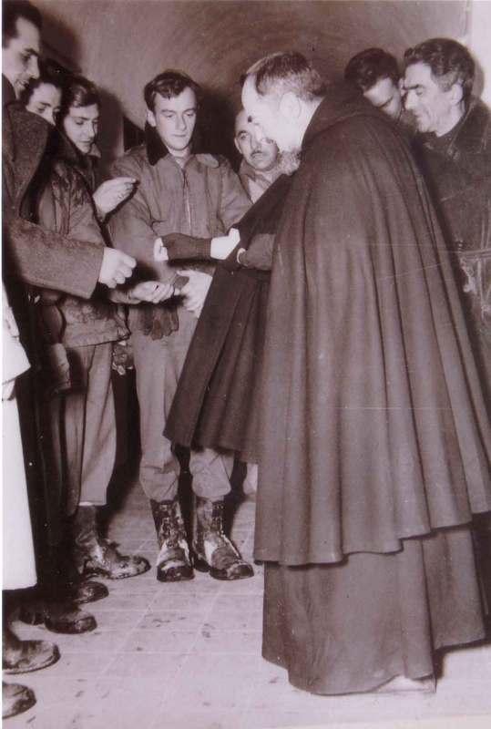 Padre Pio thaum ua neej nyob A5ul410