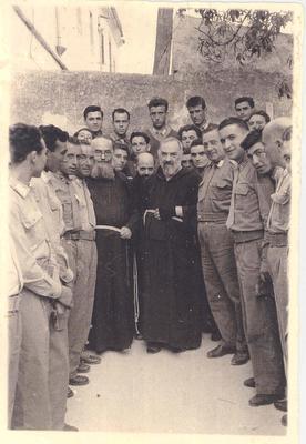 Padre Pio thaum ua neej nyob Padre-10