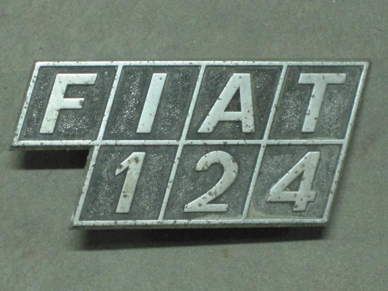 Ricambi di carrozzeria 124 seconda serie Targhe10
