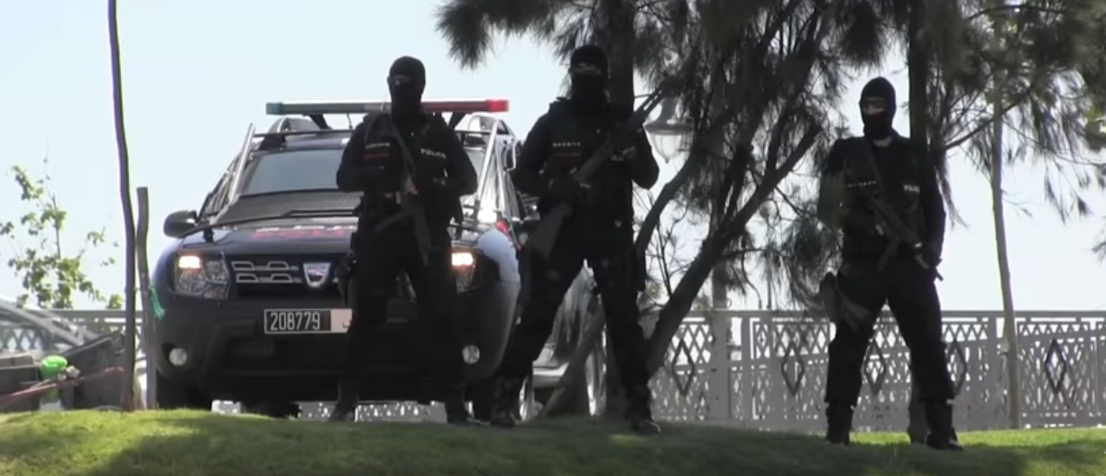 Moroccan Special Forces/Forces spéciales marocaines  :Videos et Photos : BCIJ, Gendarmerie Royale ,  - Page 16 Police10