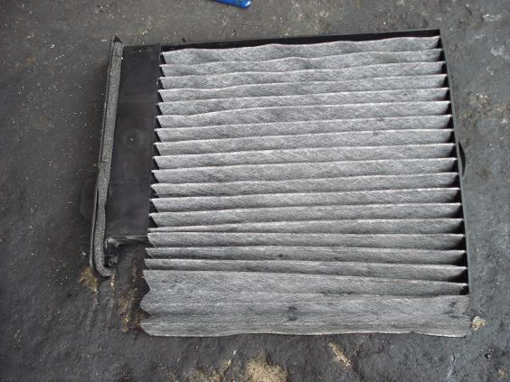 Aircon filter cleaning Dsc00210