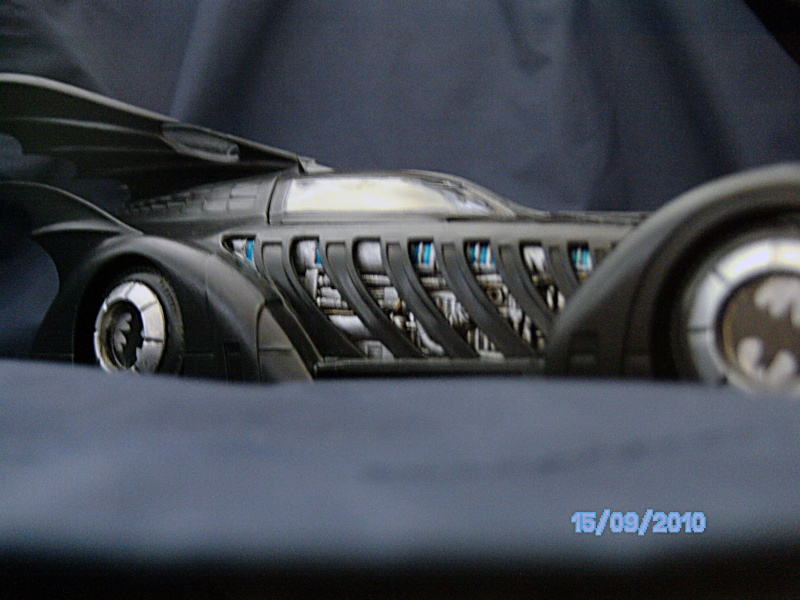 Batmobil aus Batman Forever 1:25 Revell - Seite 2 Pict6019