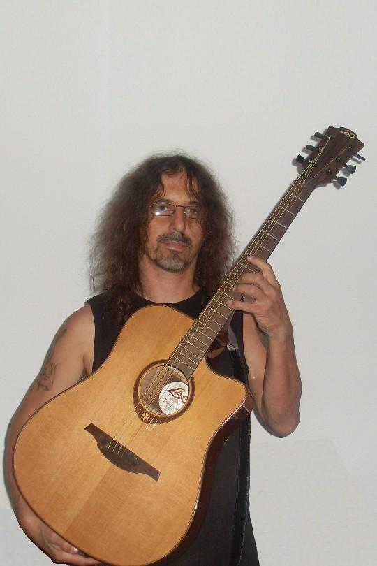 Choix d'une Guitare Folk Sl373112