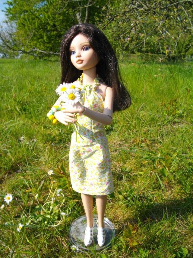 Essential Wigged Out three : Elerinna ou la femme aux deux visages ! et ses tenues Ess3510