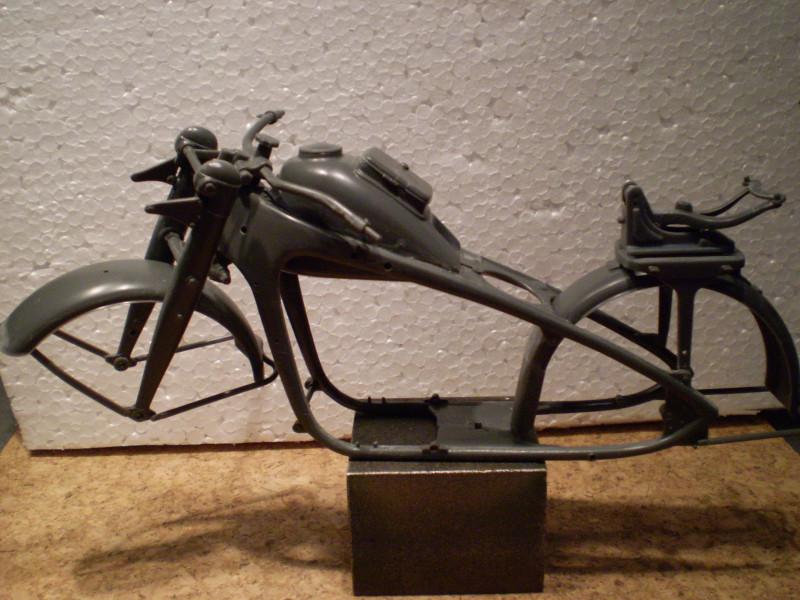Zündapp mit Beiwagen      1:9 Za_00310