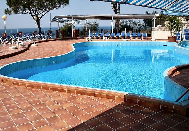- PISCINA  Pool2_10