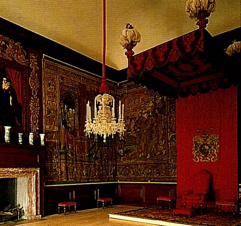 Exposition « Trônes en majesté, l'autorité et son symbole » - Page 3 18363710