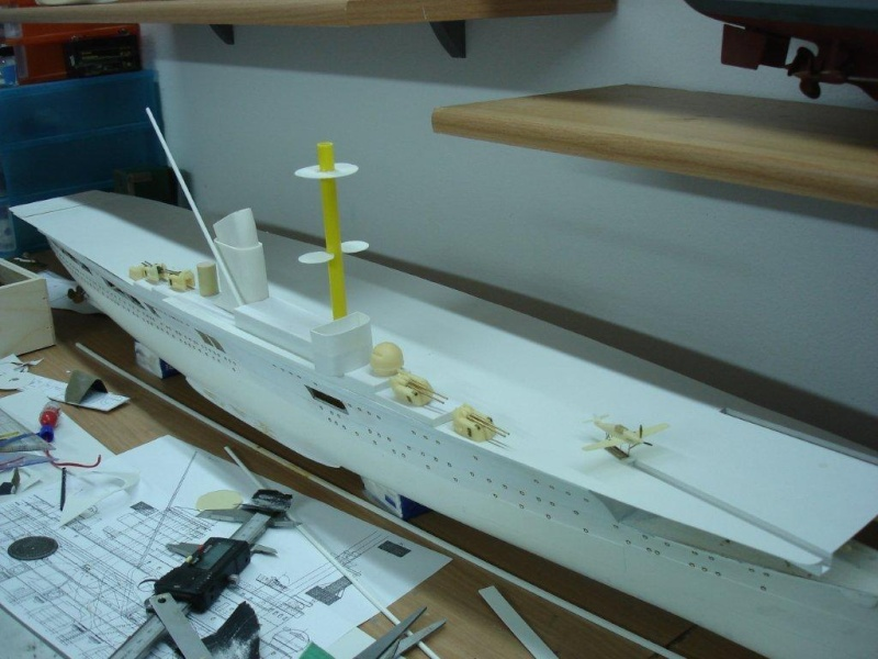 Umbau Seydlitz zum Flugzeugträger Weser Maßstab 1:200 Dsc01223
