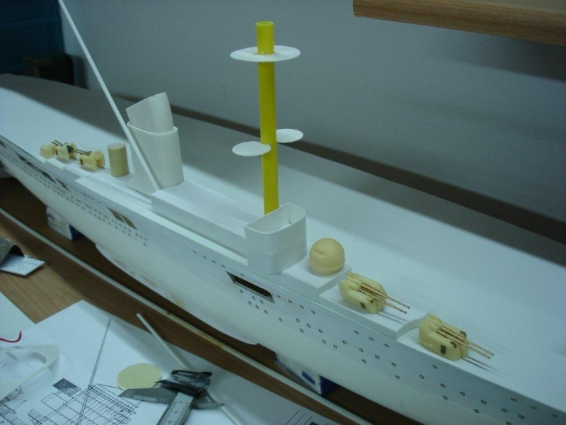 Umbau Seydlitz zum Flugzeugträger Weser Maßstab 1:200 Dsc01224